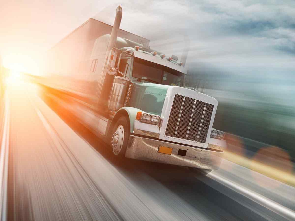 http://www.transporteinternacionalalmansa.es/wp-content/uploads/2017/08/inner_big_trucks_08.jpg