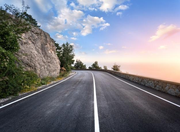 https://grupo-almansa.com/wp-content/uploads/2021/08/carretera-asfalto-bosque-verano-al-atardecer-montanas-crimea_159067-99.jpg